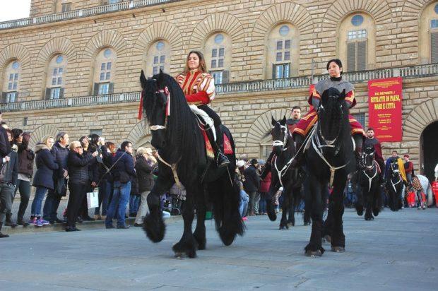 Парад с фризами в Флоренции