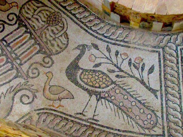 Павлин на древних византийских фресках