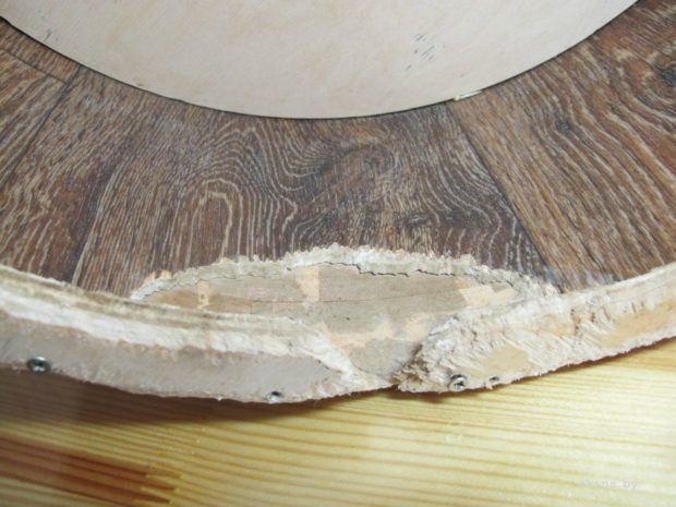 Погрызенное колесо из дерева