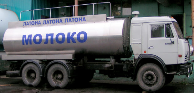 Молоковоз для перевозки молока