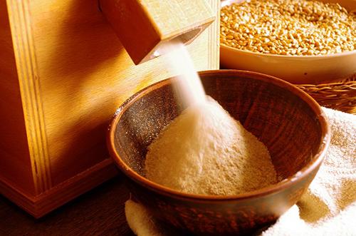 Помол зерна в мельнице