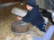Работа жерновой мельницы