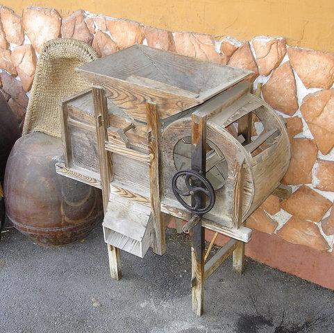 Деревянная молотилка самодельная